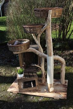 Nature Cat Tree - Mikkel, only the best for your . Nature Cat Tree – Mikkel, only the best for your pets. Made of robinia and reclaimed old wood. Outdoor Cat Tree, Diy Cat Tree, Best Cat Tree, Cat Trees, Madeira Natural, Cat Enclosure, Cat Condo, Cat Room, Animal Projects