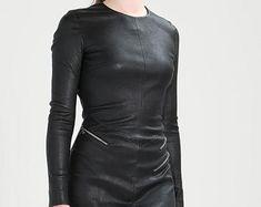 Etsy :: Jouw platform voor het kopen en verkopen van handgemaakte items Leather Jacket Dress, Leather Pants, Trending Outfits, Jackets, Clothes, Etsy, Dresses, Fashion, Leather Jogger Pants