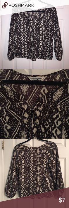 Black and white bohemian top Patterned black and white American eagle top Tops Blouses