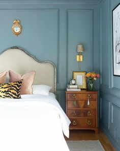 One Room Challenge The Reveal: A Modern Traditional Master Bedroom A Glass of Bovino Estilo Interior, Home Interior, Interior Design Masters, Office Interior Design, Office Interiors, Master Bedroom Makeover, Bedroom Makeovers, Blue Rooms, Home And Deco
