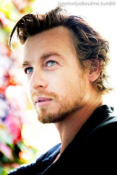 Simon Baker Actor, Model (Givenchy, ANZ Bank, Longines, Chantilly Racecourse, Samsung) Men's Fashion, the Mentalist (as Patrick Jane) サイモン・ベイカー 俳優, 男性モデル, メンズファッション, メンタリスト
