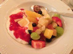 Fruktsalat og riskrem :) (Rusa på livet!!!)
