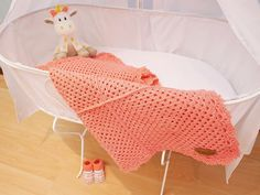 "Gehaakt Babydekentje ""Scalloped"" Cute Coral 60x80cm"