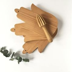 Hamsa beech wooden cheese board and decorative candle tray. Candle Tray, Candles, Wooden Cheese Board, Hamsa, Lifestyle, Decor, Fatima Hand, Hands, Decoration