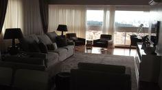 Reforma e interior design de apartamento em Panhamby (Sao Paulo), 23° andar,  300 mq de superficie.  Detalhe de uma das sala com sacada.
