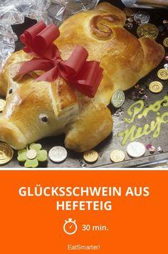 Glücksschwein aus Hefeteig - smarter - Zeit: 30 Min. | eatsmarter.de