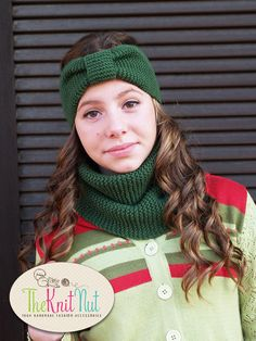 Knit Scarf Infinity Winter Cowl Knitted Green, Green Neck Warmer, Hand Knit Cowl, Hand Knitted Scarf