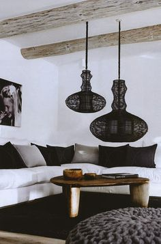 Belle Vivir is an Interior design blog about the best Decorating Ideas, home decor, fashion, art and shopping tips by Julie Paulino Design.