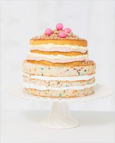 As with most things in life, this works best with Funfetti. | 35 Amazing Birthday CakeIdeas