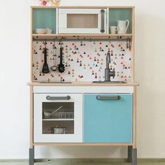 Wow, wouldn't believe this is just the standard ikea play kitchen. Beautiful!