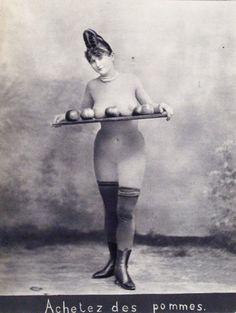 Achetez des Pommes Photogravure after albumen print. c1885