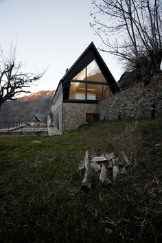iGNANT / House at the Pyranees by Cadaval & Sola-Morales