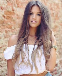 The gorgeous is rocking this boho look, perfect for warm summer days 💕💕 Karin is wearing her to add lighter highlights to her hair 👌 What are your favourite hairstyles this summer? We would love to hear from you! Boho Hairstyles, Summer Hairstyles, Pretty Hairstyles, Luxy Hair Extensions, Bronde Hair, Beautiful Long Hair, Blonde Color, Remy Human Hair, Her Hair