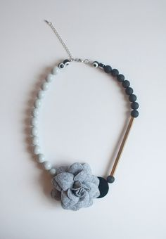 DIY Fabric Flower Necklace