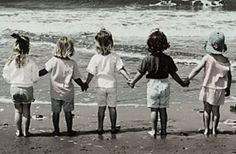What's so poignant about this picture? Well, it shows a line of little girls holding hands facing the immensity of ocean waves. True Friends, Old Friends, Best Friends, Female Friends, Filles Se Tenant La Main, The Fevers, Girlfriend Image, Girls Holding Hands, Hold Hands