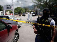 Un explosivo detonó la madrugada de ayer ante la fachada del gobierno de Junín, en el centro de Perú, y causó daños en ese local y varios edificios cercanos. Ver más en: http://www.elpopular.com.ec/52915-en-peru-detono-un-explosivo.html?preview=true