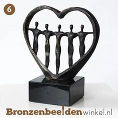 """Samen sterk"" BBW005br70 #samensterk #familie #vriendschap #liefde #bronzenbeeldenwinkel #bronzenbeeld #brons #decoratie #cadeau Bookends, Abstract, Afrikaans, Home Decor, Sculptures, Wood, Seeds, Everything, Summary"