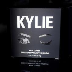 @kyliecosmetics: Purple Palette packaging 💜