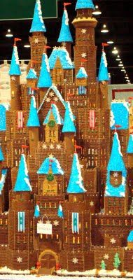 graham cracker house (I wish I had the time to do this)