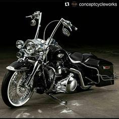 harley davidson road king blacked out Harley Davidson Custom, Harley Davidson Road King, Harley Davidson Trike, Classic Harley Davidson, Harley Davidson Street Glide, Harley Bagger, Bagger Motorcycle, Harley Bikes, Harley Softail