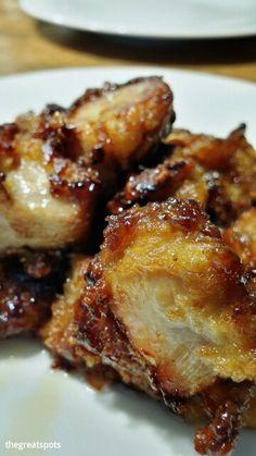 닭강정[dakgangjeong], sweet and sour chicken.  생강소스로 순살치킨을 프라이팬에 다시 볶았어요. 맛이 끝내줍니다.  I fried boneless chicken with ginger sauce on the fry pan. Then its taste so good and crispy. Yummy !!!  #닭강정 #dakgangjeong #Koreafood