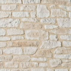 Much less used than before, the stone was seen dethroning its place of … – Construire sa maison – murnoir Cladding Design, Cladding Ideas, Wall Cladding Panels, Limestone Wall, Southern House Plans, Modern Farmhouse Kitchens, Stone Houses, Facade House, Textured Walls