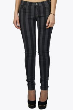 Wow this beautiful quality  skinny jeans is now for a very low price! We have only a few sizes left so be quick. You want to look longer? Then choose for a length stripe, like this jeans. Get it or regret it.  #2dayslook #leggings #skinny  www.2dayslook.com