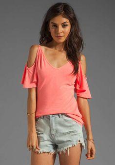 Blusas coral de moda casual 2013  http://blusas.me/blusas-coral-de-moda-casual-2013/