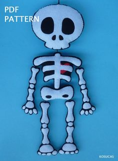 PDF tutorial to make a felt Skeleton image 3 Moldes Halloween, Adornos Halloween, Manualidades Halloween, Halloween Doll, Fall Halloween, Halloween Crafts, Halloween Decorations, Felt Skull, Cute Skeleton