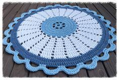 Vastarannan Virkkaaja Crochet Mat, Crochet Squares, Cute Crochet, Crochet Shawl, Crochet Doilies, Crochet Flowers, Baby Knitting Patterns, Crochet Patterns, Crochet Table Runner Pattern