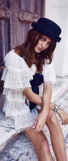 Black And White Elegant And Classy Enjoy xox Chanel Fashion, Boho Fashion, Fashion Outfits, Womens Fashion, Fashion Trends, Reiss, Becoming A Model, New Instagram, All About Fashion