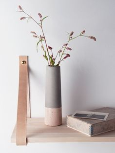 Contrast between wood and matte paint - pastel colors!