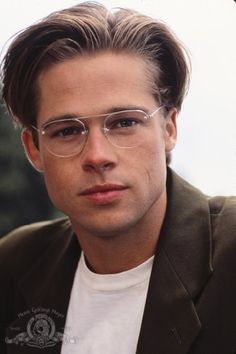 Brad Pitt's Hottest Pics — The Sexiest Shots Of The Actor – Hollywood Life Jennifer Aniston, Beautiful Men, Beautiful People, Brad And Angelina, Kris Kristofferson, Don Juan, Hottest Pic, Johnny Depp, American Actors
