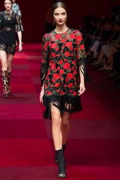 Dolce & Gabbana Spring 2015 Ready-to-Wear Collection Photos - Vogue. Model: Anastasija Titko