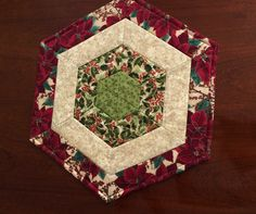 Christmas Red & Green Quilted Hexagon Table Runner Candle