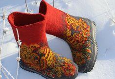 Warm felt boots Male felted shoes Folksy pattern Boreal shoes Russian VALENKI Khokhloma painting Filzstiefel Woolen footwear Boho style Eco