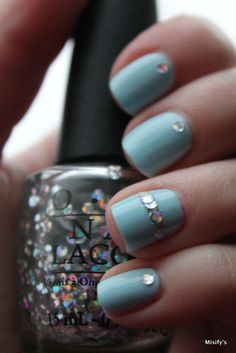 Misify's / OPI - I Snow You Love Me / Flormar - WL01