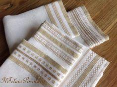 Lino bianco - fettuccia nocciola in tinta col filo... e piccoli motivi di ricamo a fili contati, per cinque lavette molto chic