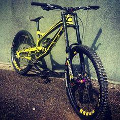 . Bike : YT Tues -Rockshox BoXXer Fork -Rockshox Vivid Rear Shock -Sram…