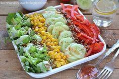 kuchnia na obcasach: Kolorowa sałatka ze słodkim sosem chili