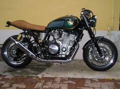 Yamaha xjr 1300 brat style motorcycle