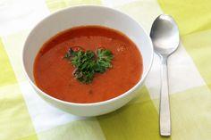 Klassisk tomatsuppe: super lækker tomatsuppe med gulerødder.