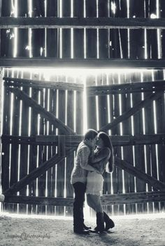 Quail Ridge Park barn, Engagement Photography