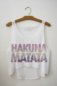 """SexeMara 2017 New """"Hakuna Matata"""" Letters Short Crop Tops Women Sexy Tank Top Femme Summer Vest Sleeveless Cropped Top Ropa Pull And Bear, Disney Outfits, Cute Outfits, Mode Shoes, Diy Vetement, Cute Crop Tops, Vintage Mode, Hakuna Matata, Cute Shirts"""