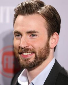 I post Captain America & all things Chris Evans. Here you will find daily updates including photos, videos, appearances, and all things Chris. Capitan America Chris Evans, Chris Evans Captain America, Capt America, Steve Rogers, Christopher Evans, Robert Evans, Chris Hemsworth, American Actors, Album