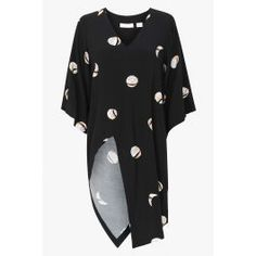 SPOT THE SPOT TOP Comfort and style come together with this oversized print top. The square-cut long sleeves flow over an angled hemline to give a kimono wrap effect, accentuated by a seductive V-neckline. Pair with denim cut-offs or our Spot the Spot