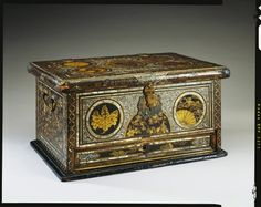 Creator:   Japanese (nationality)  Creation Date:   early seventeenth century  Materials:   Wood, lacquer, mother of pearl, gilt metal  Dimensions:   25.5 x 49.5 x 33.8 cm  RCIN