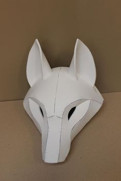 Kistune Fox Mask Base Pattern Tutorial für EVA-Schaum, Mascara is known as a cosmetic commonly famil Fursuit Tutorial, Cosplay Tutorial, Cosplay Diy, Cosplay Armor, Costume Tutorial, Steampunk Cosplay, Kitsune Maske, Cardboard Mask, Diy And Crafts