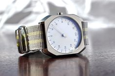 Let's start the week with a touch of summer.  http://www.slow-watches.com