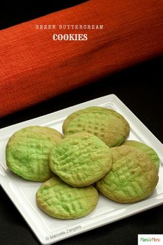 Green Buttercream Cookies – a very clever and easy way to use up your leftover buttercream. The perfect recipe to make this St. Patrick's Day!